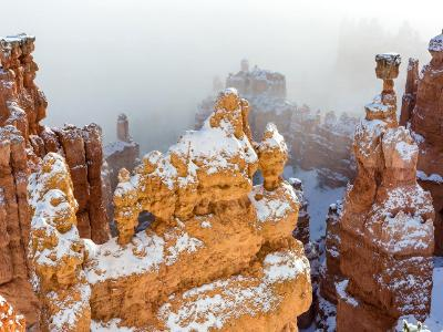 Thor's Hammer and Bryce Windows in the Fog
