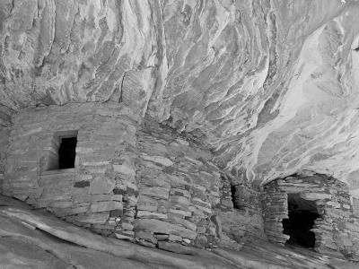 Puebloan Granaries in Mule Canyon