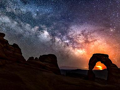 Arches Sunset and Night Photo Tour - Comet edition