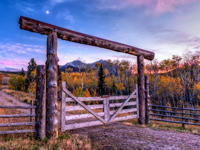 Gates to Mount Sopris