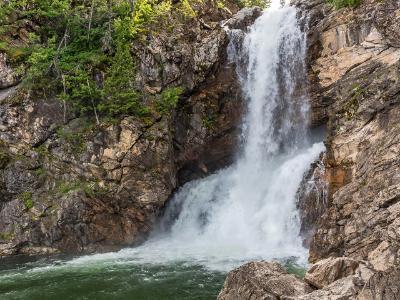 Running Eagle Falls Rock Face