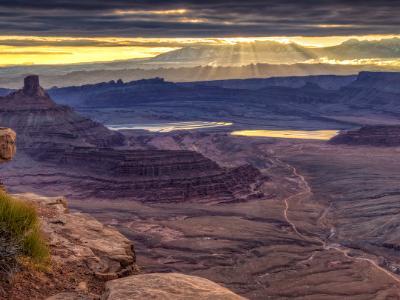 Dead Horse Point Mountain Sunrise