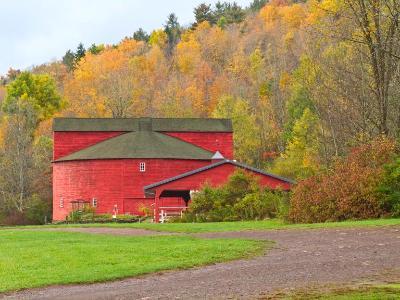 Catskills Round Barn