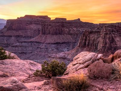 Sunrise Panorama over Shafer Canyon (Click for full width)