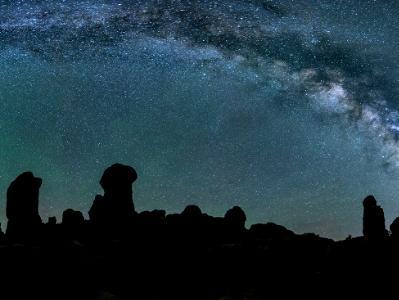Milky Way over the Garden of Eden (Click for full width)