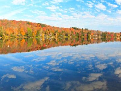 Perch lake Fall Panorama  (Click for full width)