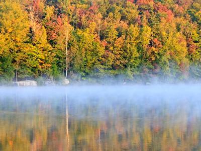 Autumn mists on Eighth Lake