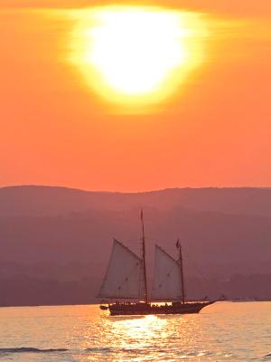 Hudson Schooner Sunset