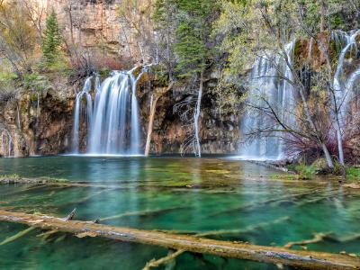Lush Colorado Paradise at Hanging Lake (click for full width)